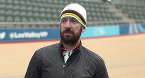Wiggo attempting to break record
