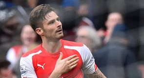 Giroud not giving up title fight