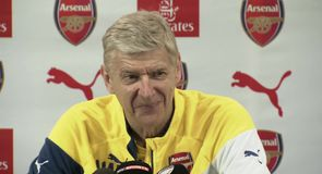 Wenger jokes about boxing ability