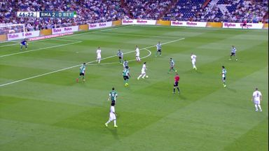 Benzema finishes beautiful Real move