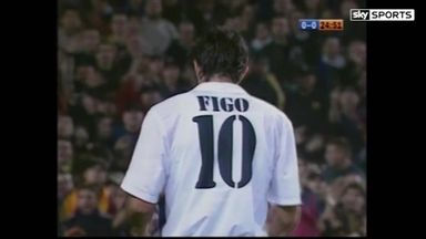 El Clasico Moments: Figo bottled by Barca fans