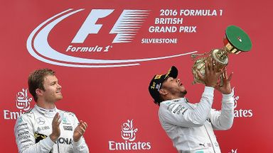 'Rosberg is struggling mentally'