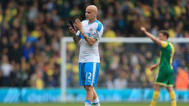 Benitez praises Shelvey after abuse