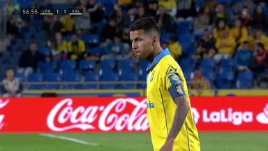 Stunning free-kick for Las Palmas