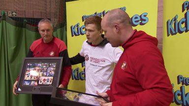 Watmore honours Volunteers