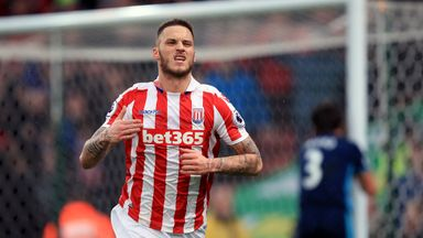 Arnautovic hands in transfer request