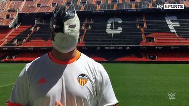 Sin Cara visits Valencia FC
