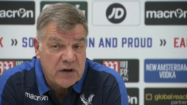 Allardyce keen on Defoe reunion