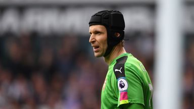 Cech expecting title challenge