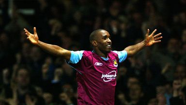 Bilic refuses to discuss Defoe link