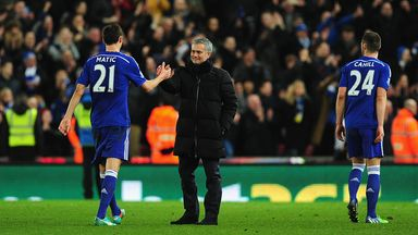 Neville: Matic good for Utd