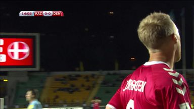Jorgensen misses easy chance