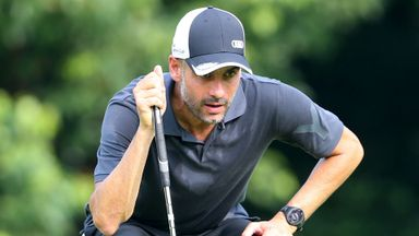 Guardiola's hits amazing golf shot