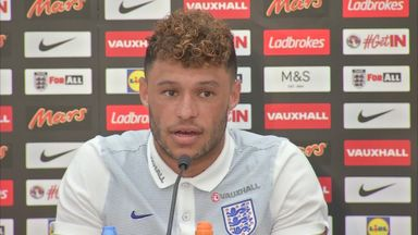 Ox tight-lipped on Wenger