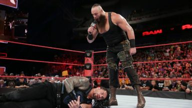 Strowman returns to attack Reigns