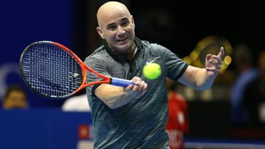 Agassi 'available' to Djokovic