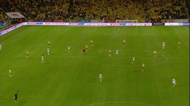 Lloris gaffe gifts Sweden win