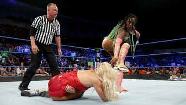 Naomi retains Women's Title