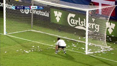 Fake money thrown at AC Milan keeper