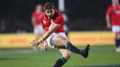 Halfpenny omission surprises Evans