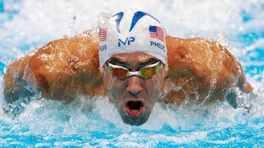 Phelps races 'shark'