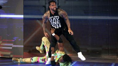 Usos' attack on New Day up-close