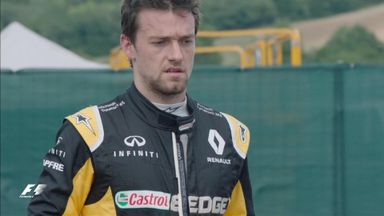 Palmer crashes out of P2