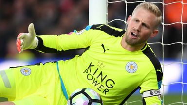 Schmeichel 'fully committed' to Leicester