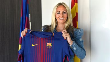 Barcelona sign Toni Duggan