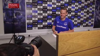 Sigurdsson completes Everton move