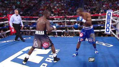 Crawford KO's Indongo