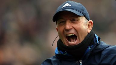 Pulis extends West Brom contract