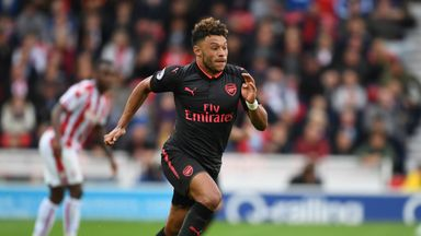 Arsenal must keep 'outstanding' Ox