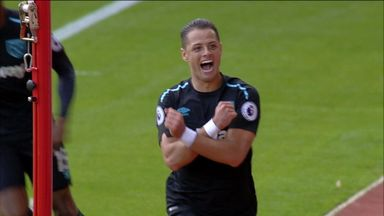 Chicarito double in vain