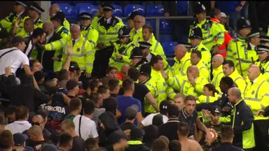 Crowd trouble mars Everton win