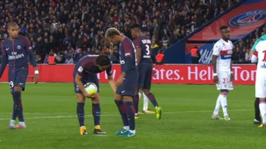 Neymar & Cavani's set-piece squabbles
