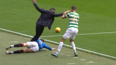 Caixinha floored by own player!