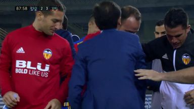 Valencia manager injures himself celebrating!