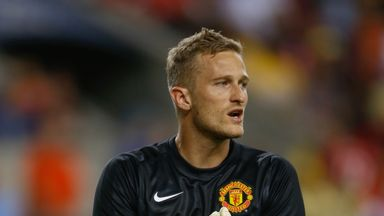 Dyche: Lindegaard wants No. 1 shirt