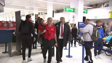 Manchester Utd depart without Fellaini