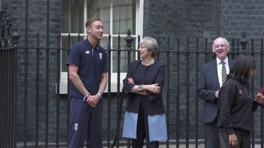 Stuart Broad gives children a Chance to Shine with Downing Street cricket