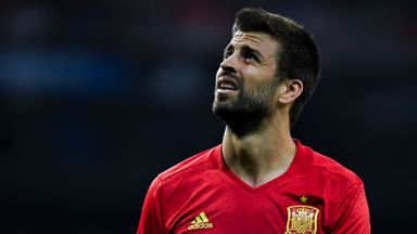 Pique booed at Spain training