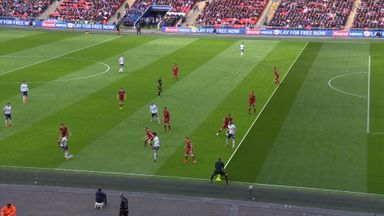 Ref Watch: Kane's tight offside call