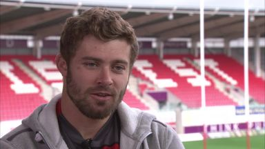 Halfpenny expects 'huge battle'