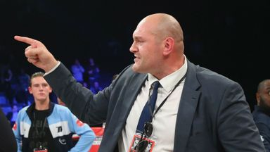 Hearn offers to manage Fury