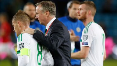 Davis wants O'Neill to stay