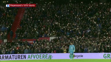 Feyenoord fans honour Jones' son