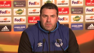 Unsworth: Martina had neck pains