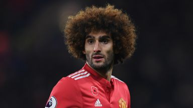 'Fellaini must sign new deal'