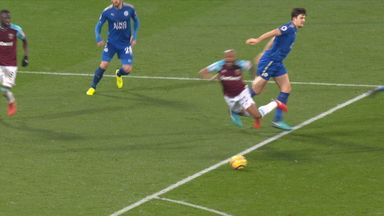 Does Ayew dive?